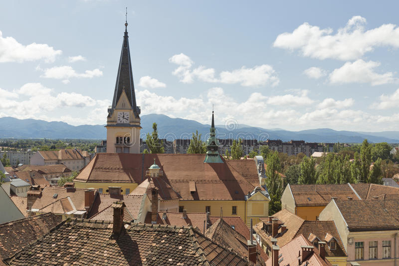 Ljubljana pejzaż miejski z dachowymi płytkami, Slovenia zdjęcia royalty free