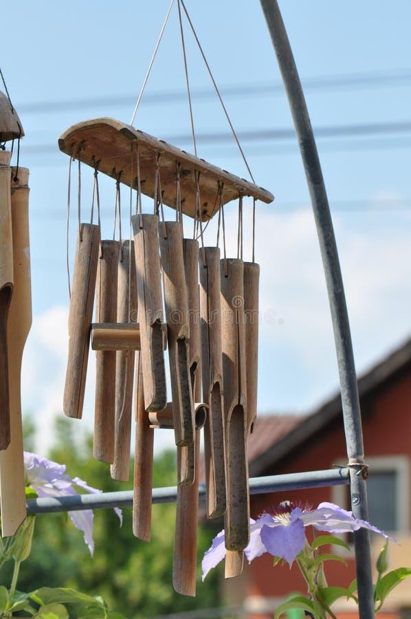 Ljud för bambuvindchimes för att hänga arkivbild