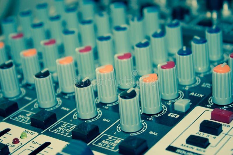 Ljudsignal blandarekonsol arkivfoto