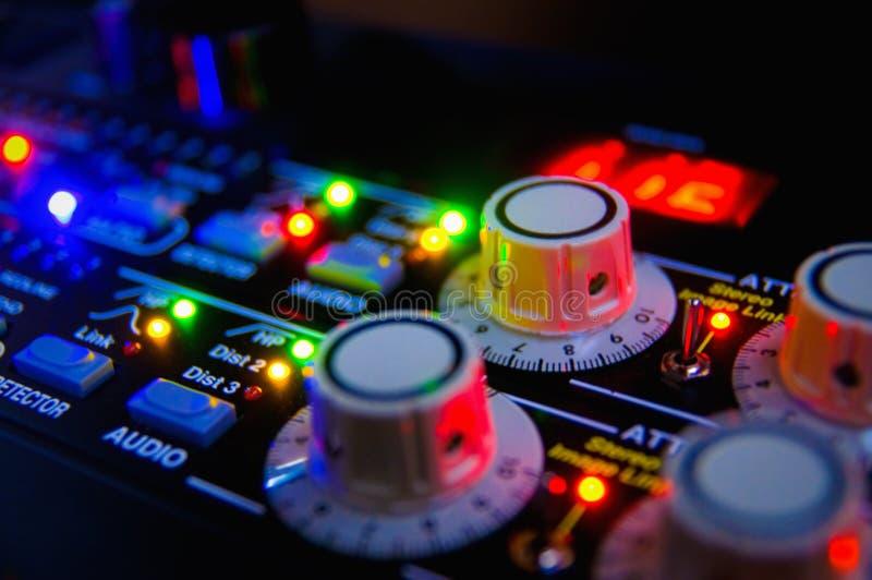 ljudsignal konsolblandning arkivbild