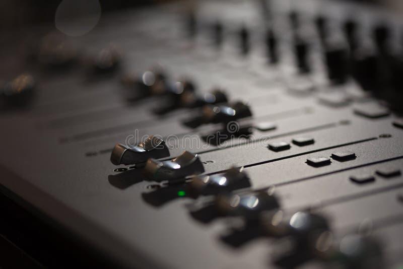 ljudsignal konsolblandning arkivfoto