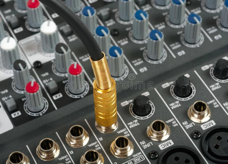 Ljudsignal kontrollkonsol arkivbilder