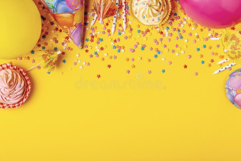 Ljus dekor för en födelsedag, parti fotografering för bildbyråer
