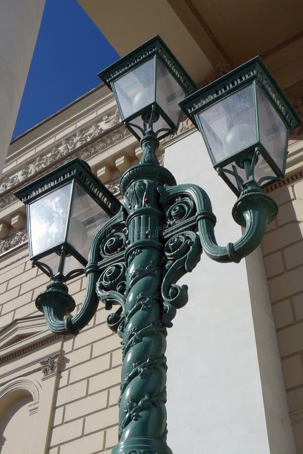 Ljus för tappningstilgata vid Bolshoy teaterbyggnad i Moskva arkivfoto