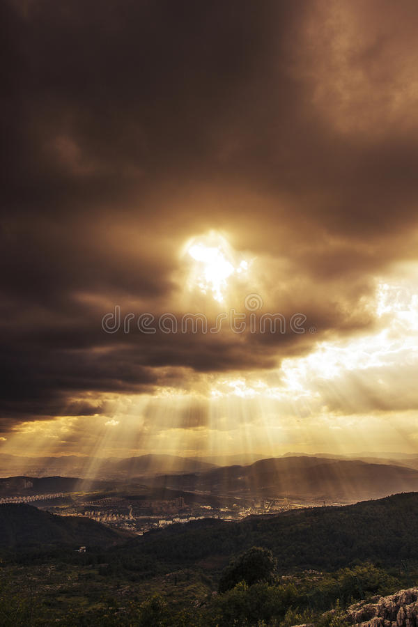 Ljus från gud royaltyfri bild
