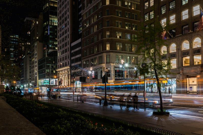 Ljus hastighet för uttrycklig buss arkivbild