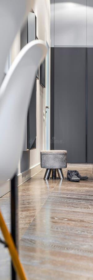 Ljus hem- korridor arkivbilder