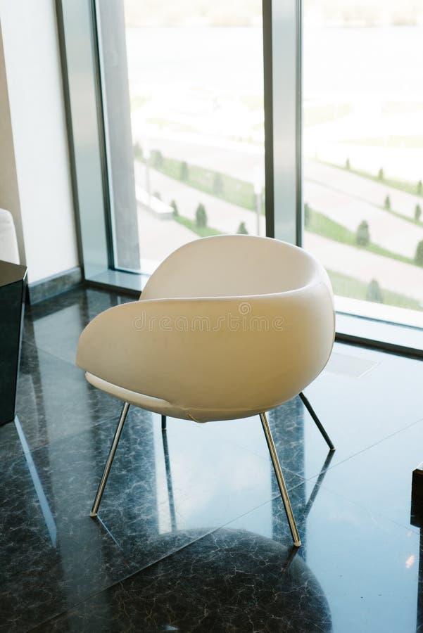 Ljus kontorskonferenskorridor royaltyfri fotografi