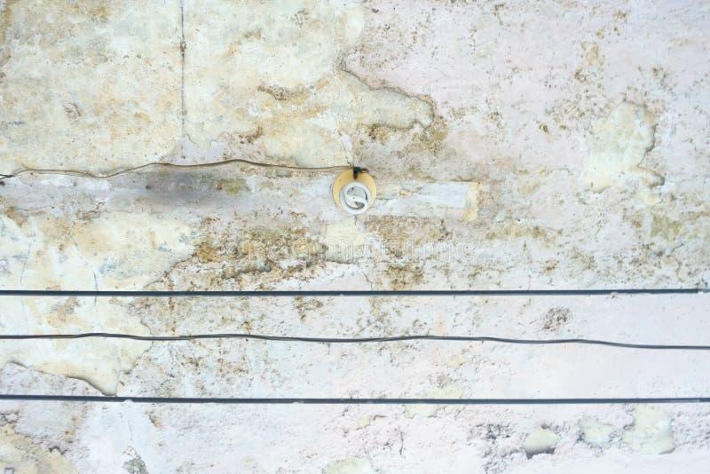 Ljus kula på den gamla Motar väggen Abstrakt bakgrund för Hipster royaltyfri fotografi