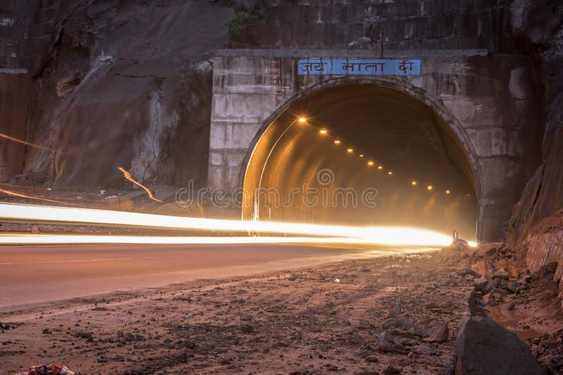 Ljus målning av tunnelen royaltyfri bild