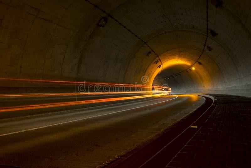 Ljus målning i tunnel arkivbilder