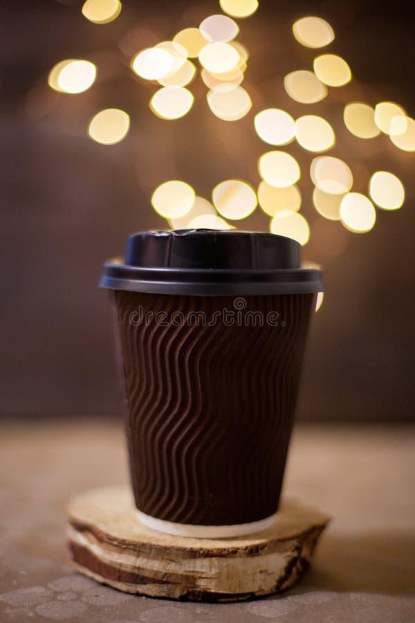 Ljus och coffe arkivfoto