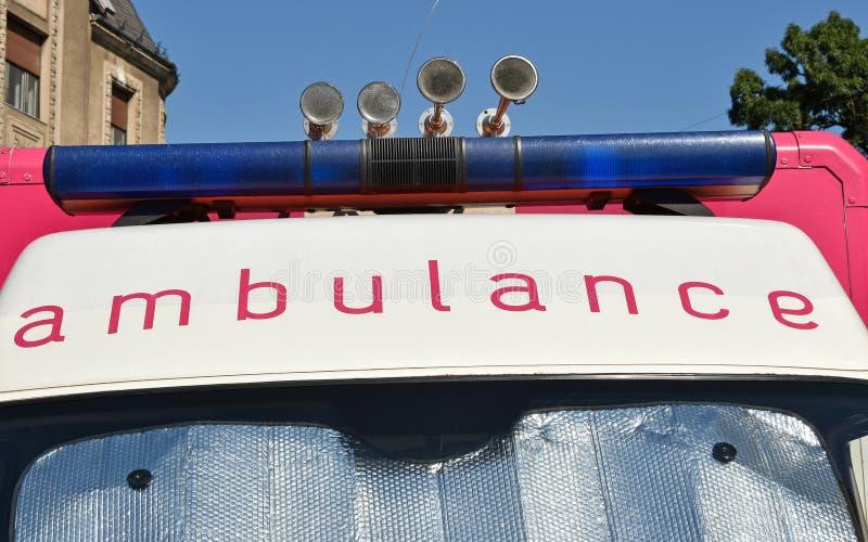 Ljus och horn av ambulansen royaltyfri bild