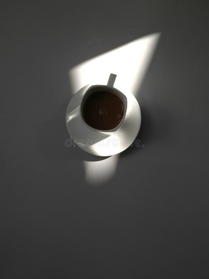 Ljus och skuggakaffe royaltyfri foto