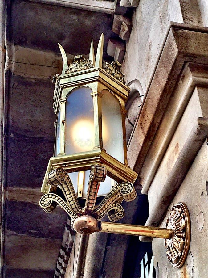 Ljus på den Passeig de Gracia gatan fotografering för bildbyråer