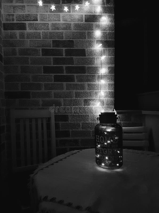 Ljus på en balkong arkivfoto