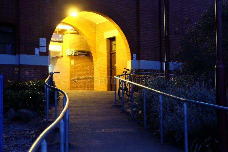Ljus på station fotografering för bildbyråer