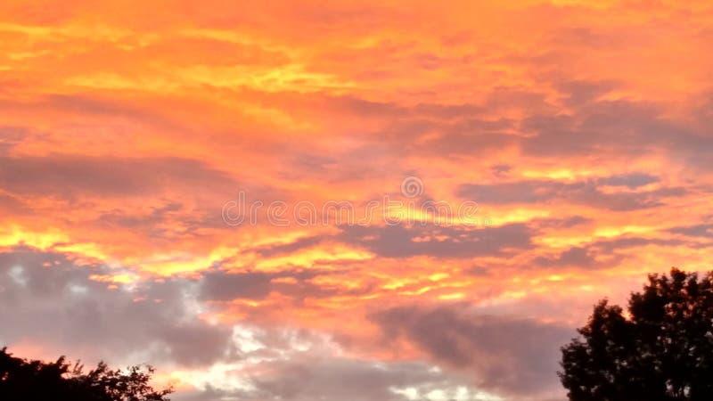 ljus solnedgång arkivfoton