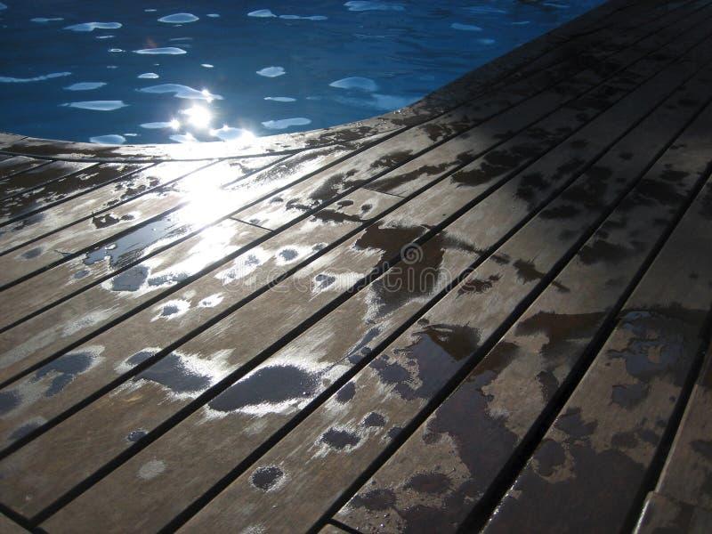 ljus swimmingpool arkivbild