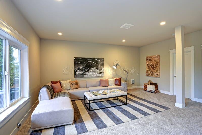 Ljus underhållning/design för modigt rum royaltyfria bilder