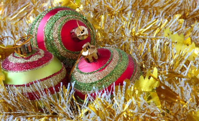 Download Ljusa julbollar fotografering för bildbyråer. Bild av brigham - 27279971