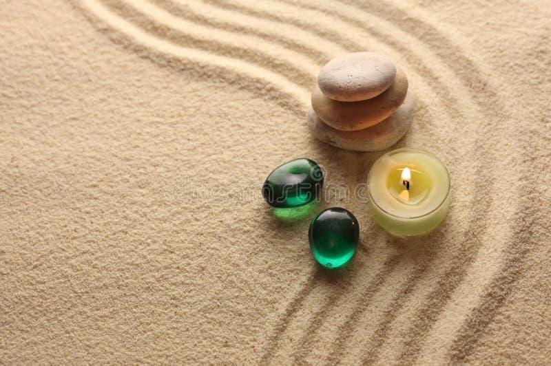 ljusa pebbles för stearinljus royaltyfri fotografi