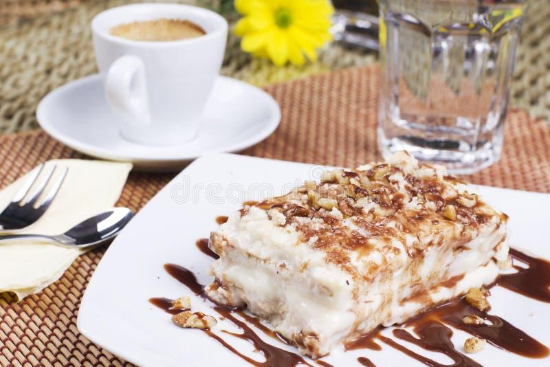 ljusbrun cake royaltyfri bild