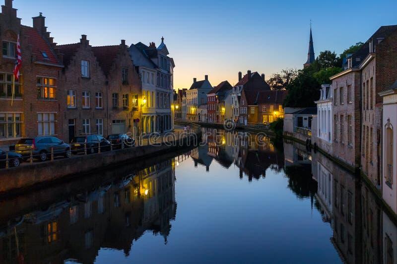 Ljusen av aftonen Bruges arkivbild