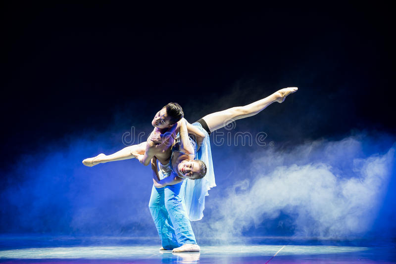 Ljuset av denkines folkdansen royaltyfri bild