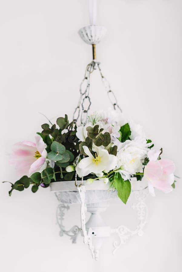 Ljuskrona av blommor arkivfoto