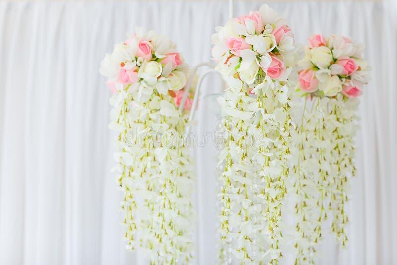 Ljuskrona av blommor royaltyfri fotografi
