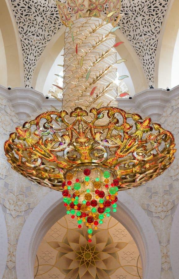 Ljuskrona i Sheikh Zayed Tusen dollar Moské arkivbild
