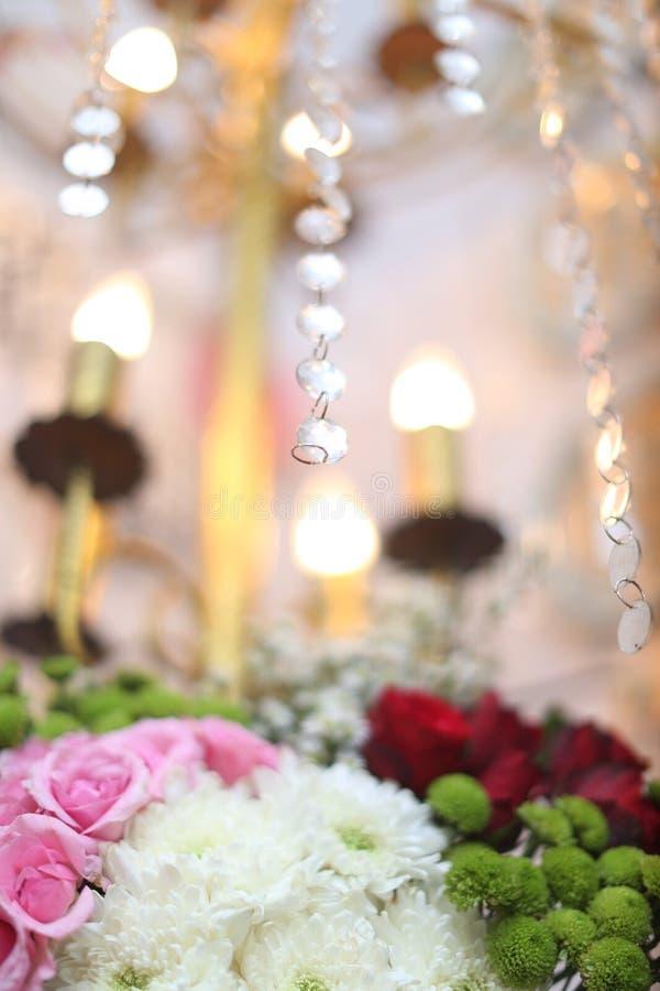 Ljuskronabröllop royaltyfria bilder