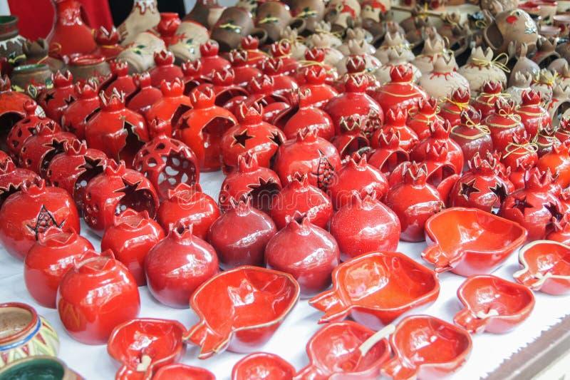 Ljusstakar och andra souvenir royaltyfria bilder