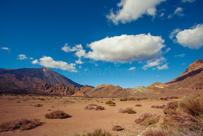 Ljust färgade sander av ökenlandskapet av Tenerife kanariefågelöar Spanien arkivbild