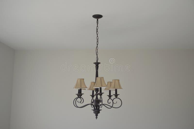 Ljust fast tillbehör med lampskärmar royaltyfri fotografi