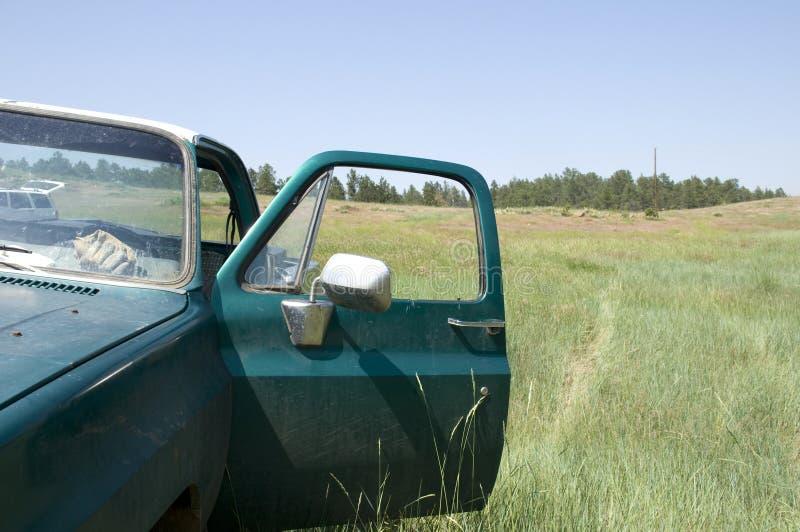 LKW auf Wyoming-Landschaft stockbilder