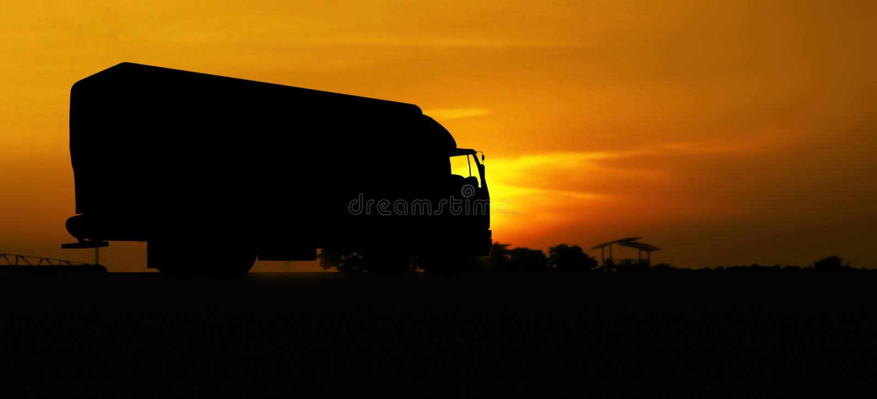 LKW im Schattenbild stockfoto