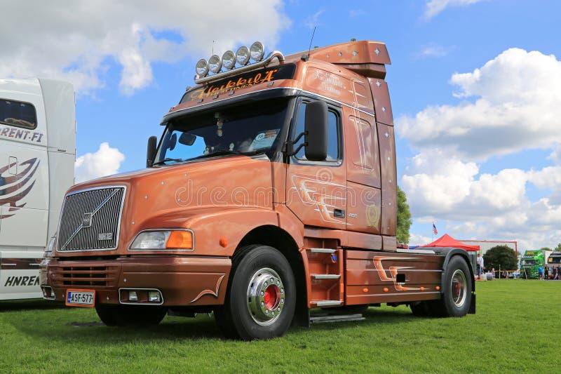 LKW-Traktor Volvos NH12 460 in einer Show lizenzfreies stockbild