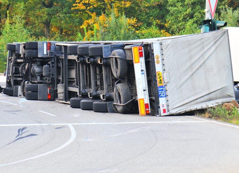 LKW-Unfall stockbild