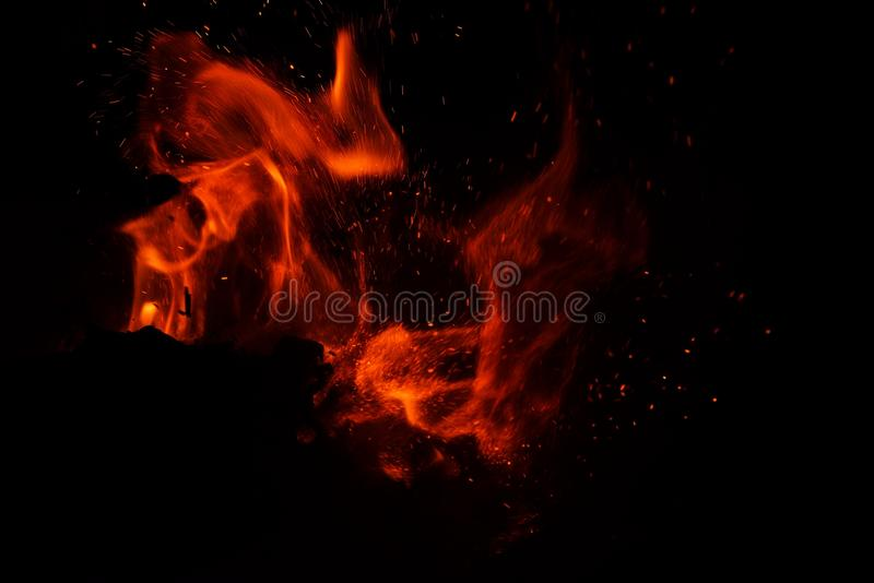 Llama del fuego en fondo negro imágenes de archivo libres de regalías