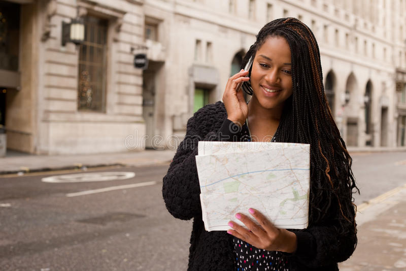 Llamada del mapa y de teléfono fotografía de archivo libre de regalías