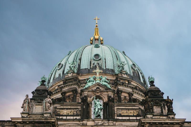 Llaman Berlin Cathedral los Dom de Berliner Berlín, Alemania fotos de archivo