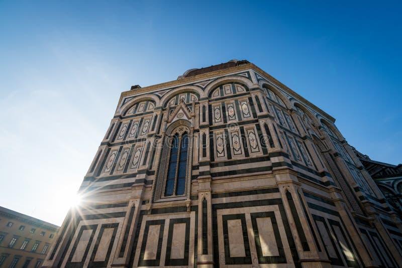Llamarada del sol del Duomo fotografía de archivo