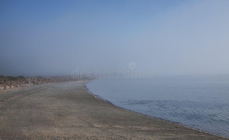 Llanbedrog, Gales, o beira-mar em um dia ensolarado imagens de stock