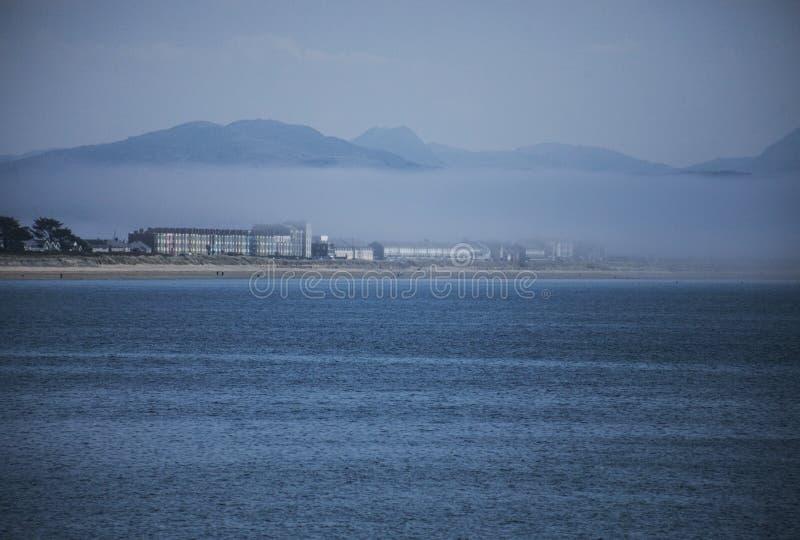 Llanbedrog, la vista della costa immagine stock libera da diritti
