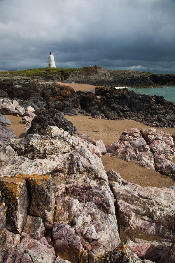 Download Llandwyn Insel stockfoto. Bild von leuchtturm, ozean - 26363900