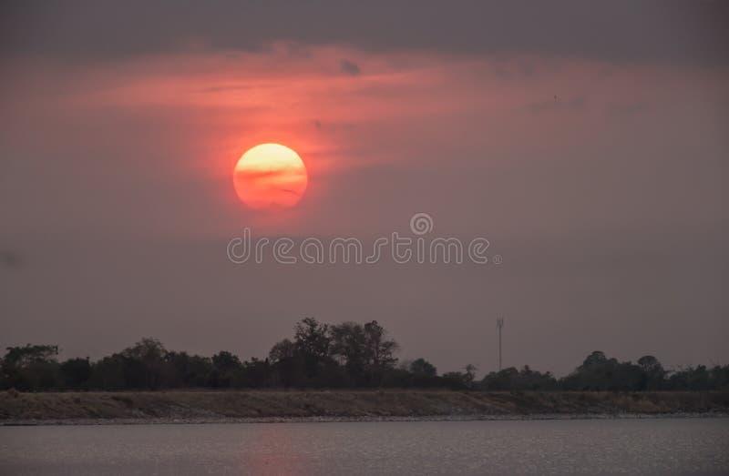 Llano, puesta del sol, amanecer, salida del sol - amanecer, Sun fotos de archivo libres de regalías