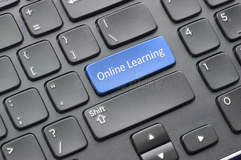 Llave de aprendizaje en línea en el teclado imagen de archivo