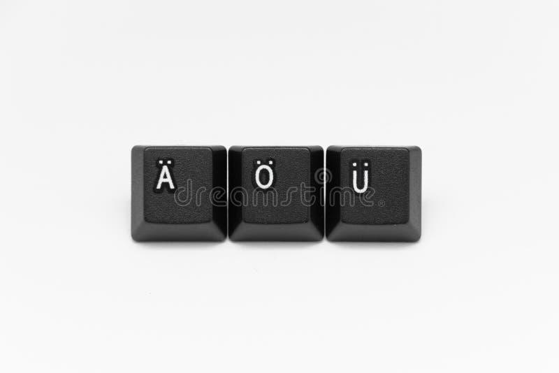 Llaves negras del teclado con diversos años, palabras, nombres imagenes de archivo